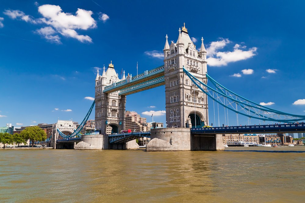 london_bridge_sunny_day