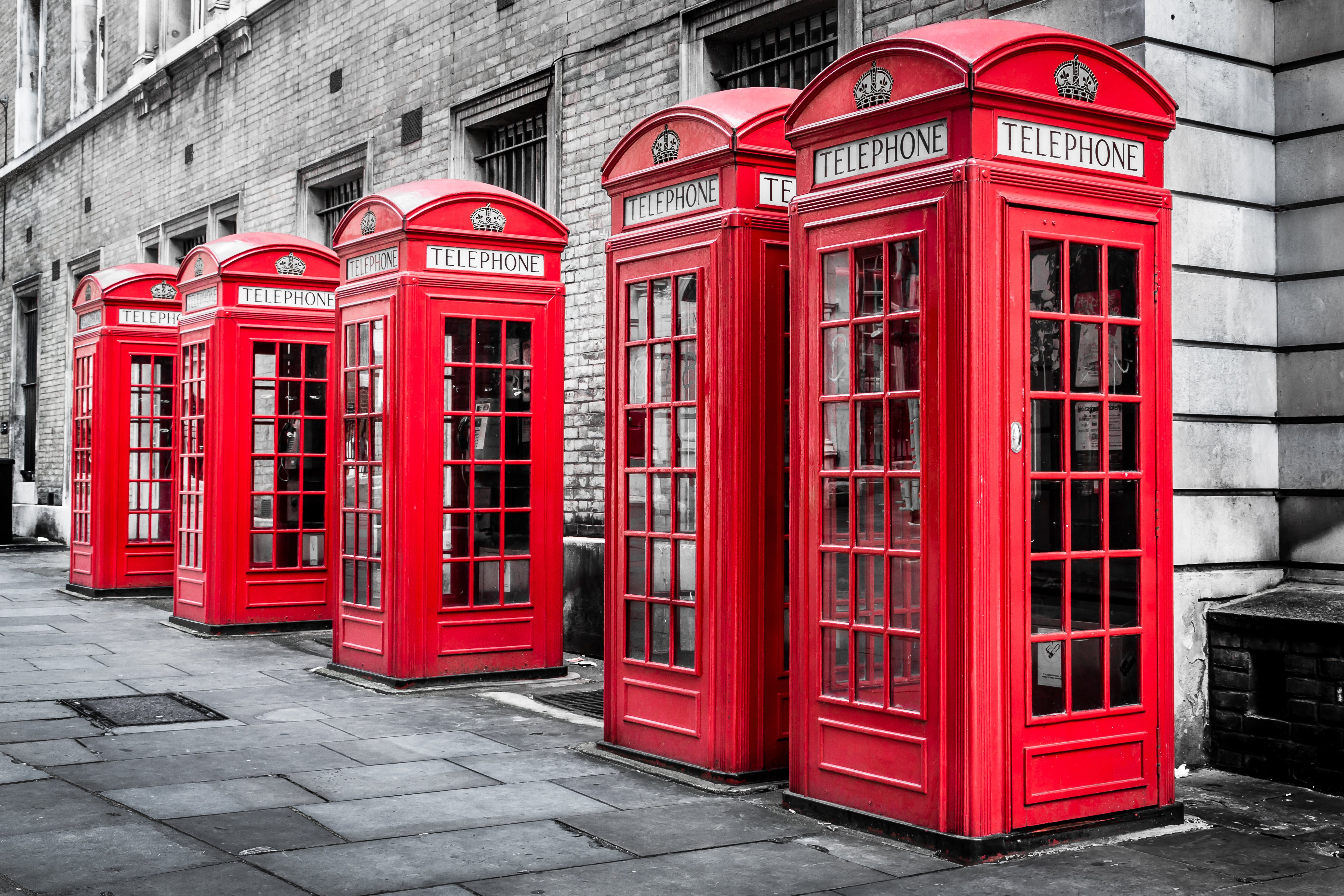 shutterstock_230901331 phone booths-1